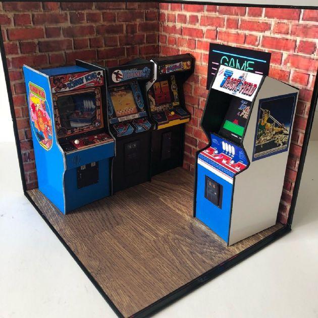 miniature-arcade-display-stand-diorama-642-p[ekm]630x630[ekm]